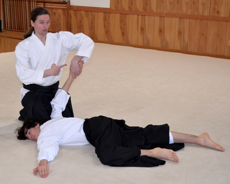Jeff Strand teaches Kid's Aikido Class